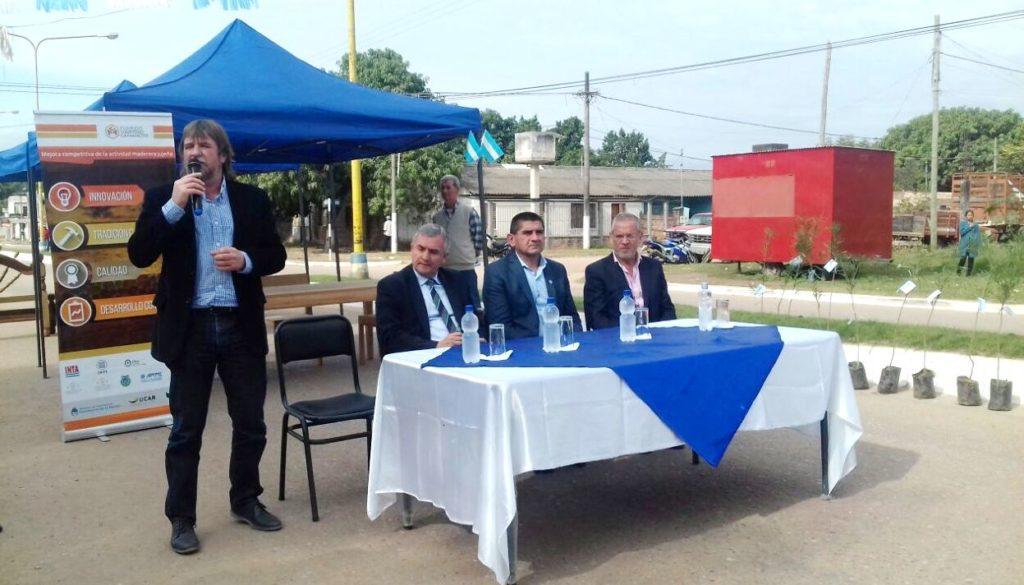 Rizzotti explicó el proceso para los lotes entregados, los que se sortearán y nuevas obras que llegarán a Caimancito.
