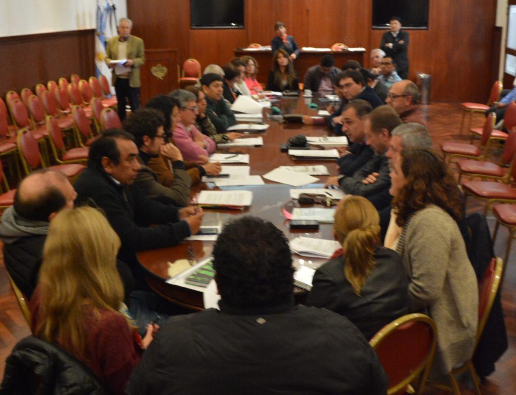 """El IVUJ presentó en la Legislatura el """"Proyecto de Ley Sistema Solidario Provincial de Construcción de Viviendas"""""""